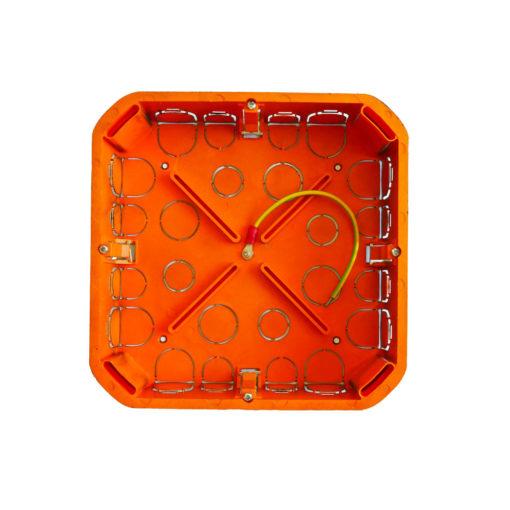 boite de dérivation électrique blindée / faradisée cloisons sèches 170 mm de côté et 45 mm de profondeur
