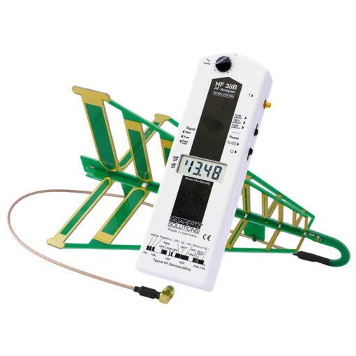 Le HF38B de chez GIGAHERTZ SOLUTIONS est un analyseur hyperfréquences (800 MHz à 2.7 GHz tolérance 3,3 GHz) avec sa sonde directionnelle, fonction d'analyse audio et une grande précision (0.01 µW/m² - 19.99 mW/m²)