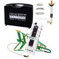 le kit de mesure professionnel d'hyperfréquences GIGAHERTZ SOLUTIONS HFE59B permet les mesures de champs électromagnétiques professionnelles sur la bande de fréquences de 27 MHz à 3.3 GHz grâce à ses 2 antennes, filtres, atténuateurs et pré-amplificateur