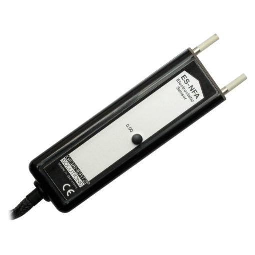 La sonde ES-NFA de chez GIGAHERTZ SOLUTIONS permet d'étendre la gamme de mesure de votre NFA en mesurant la charge électrostatique des surfaces.