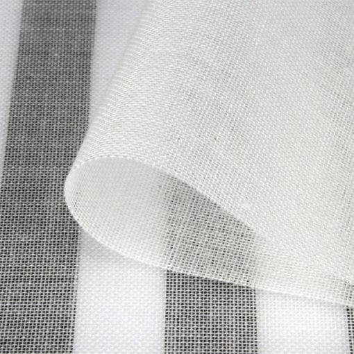 Swiss Shield Evolution est un tissu anti-ondes blanc qui peut être utilisé pour la décoration et la protection des hyperfréquences.